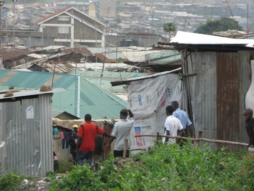 Kenia Nairobi Mathare Slum Überblick
