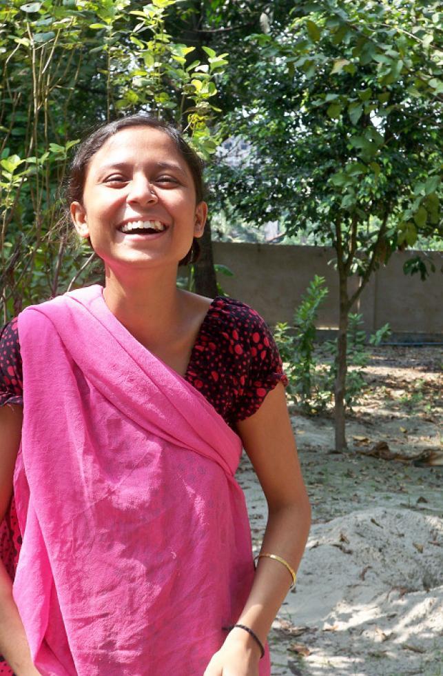 Indien Kalkutta Mädchen geheilt und glücklich