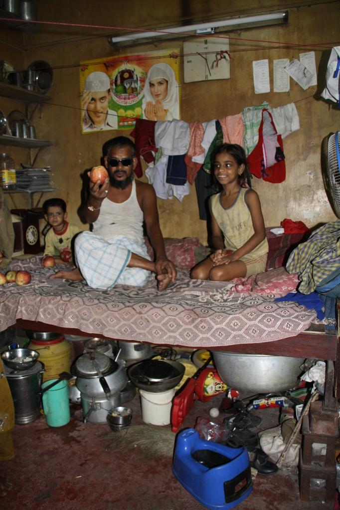 Eine sechsköpfige Familie in 10qm-Raum