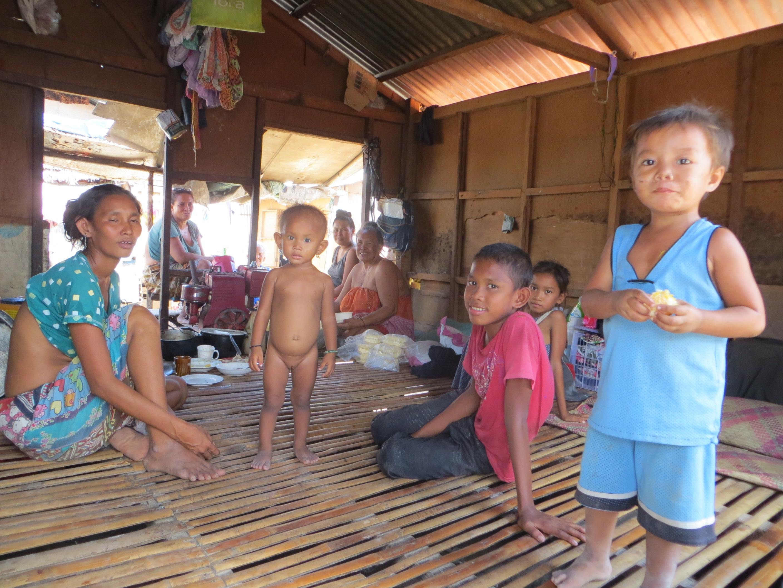 Einladung in eine Hütte bei den Badjaos