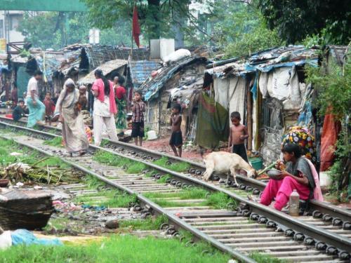 Leben in Armut im Khilgoan-Slum