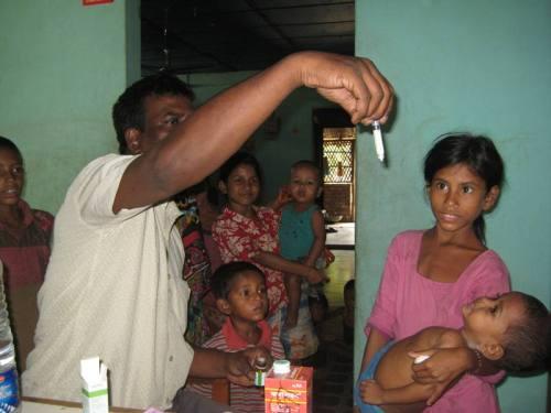 Entwurmung eines unterernährten Kindes