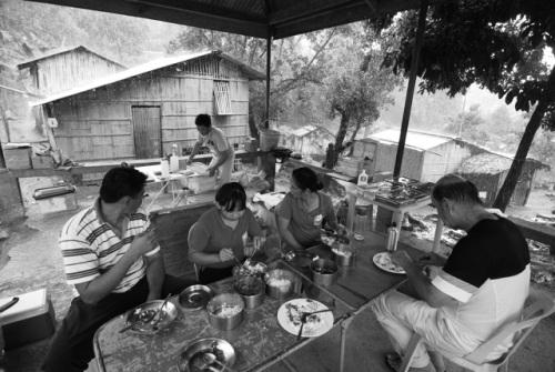 Regenpause - gemeinsames Mittagsessen