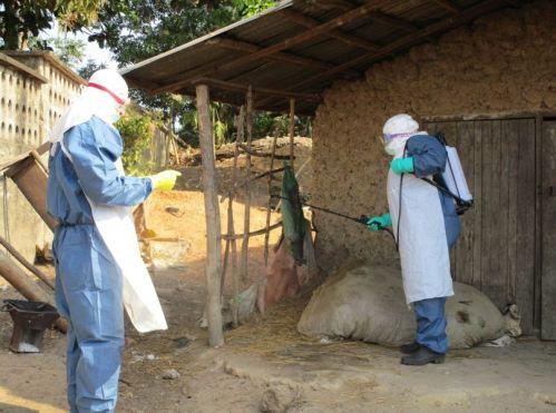 Ebola-Helfer in Sierra Leone
