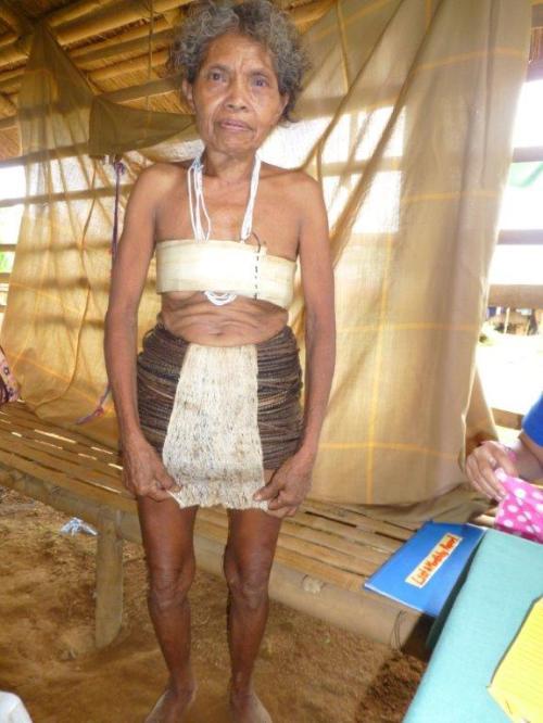 Traditionelle Kleidung der Mangyans